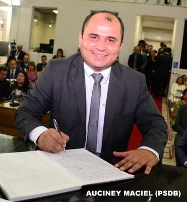 AUCINEY MACIEL.JPG