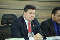 Acácio Favacho anuncia aprovação de projeto de Lei pela ALAP que assegura doação de terreno à Câmara