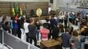 Autoridades e familiares prestam últimas homenagens a Zeca Madeireiro na Câmara de Vereadores de Macapá.