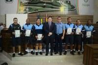 Câmara de Vereadores homenageia integrantes da Polícia Militar e da Guarda Civil Municipal.