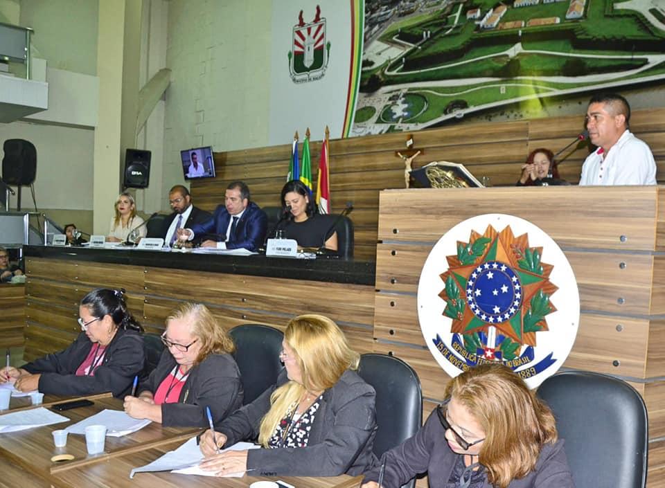 Câmara de Vereadores recebe proposta de piso salarial nacional para os agentes de endemias de Macapá