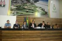 Câmara Municipal debate transporte público e o combate a clandestinidade; O debate foi provocado pelo vereador Caetano Bentes (PSC)