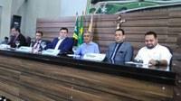 Deputado estadual Ericlaudio Alencar e o ex-vereador de Macapá Allan Ramalho visitam a Câmara Municipal de Macapá.