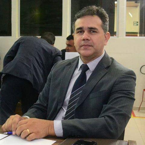Dreiser Alencar pede construção de escola infantil e creche para o bairro Congós