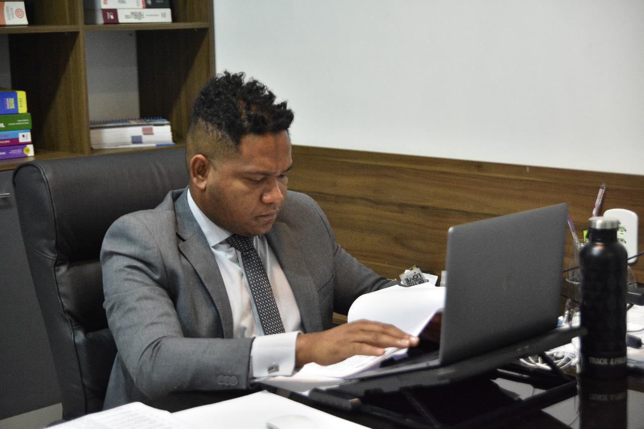 Dudu Tavares tem requerimentos aprovados para manutenção de serviços em ruas e prédio públicos de Macapá