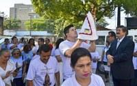 Imagem de Nossa Senhora de Nazaré é recebida por servidores da CMM