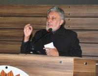 João Henrique defende o cumprimento da gratuidade no transporte coletivo.