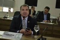 Marcelo Dias pede reformas de passarela e da quadra poliesportiva do Colégio Amapaense