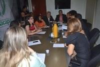 Membros da CTFO recebem professores da rede pública municipal.