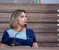 Patriciana Guimarães alerta para podagem de árvore e pede ronda no Perpétuo Socorro