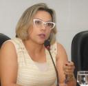 Patriciana Guimarães pede providências quanto a falta de iluminação pública para vias do bairro do Zerão.