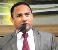 PL defende a liberação de pais do local de trabalho para prestigiarem festividades escolares