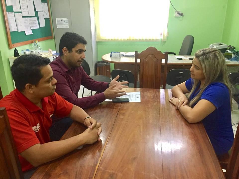 Por intermédio de Maraína Martins, feirantes vão ganhar local digno para trabalhar