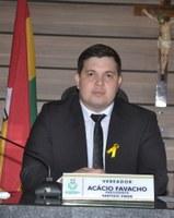 Vereador Acácio Favacho defende aprovação de mais três projetos de sua autoria.