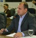 Vereador Auciney Maciel critica a falta de investimento na educação municipal