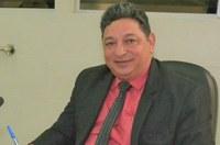 Vereador Cláudio cobra da Prefeitura informações sobre aluguel de carros