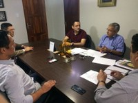 Vereador Diego Duarte discute qualidade do transporte público da capital.