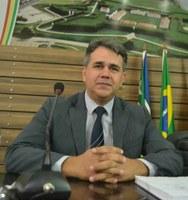 Vereador Dreiser Alencar pede melhorais para a UEAP e para o bairro Brasil Novo