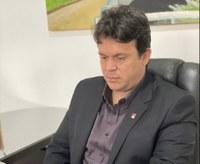 Vereador João Mendonça aponta a necessidade de asfalto em ruas dos bairros Marabaixo IV e Araxá
