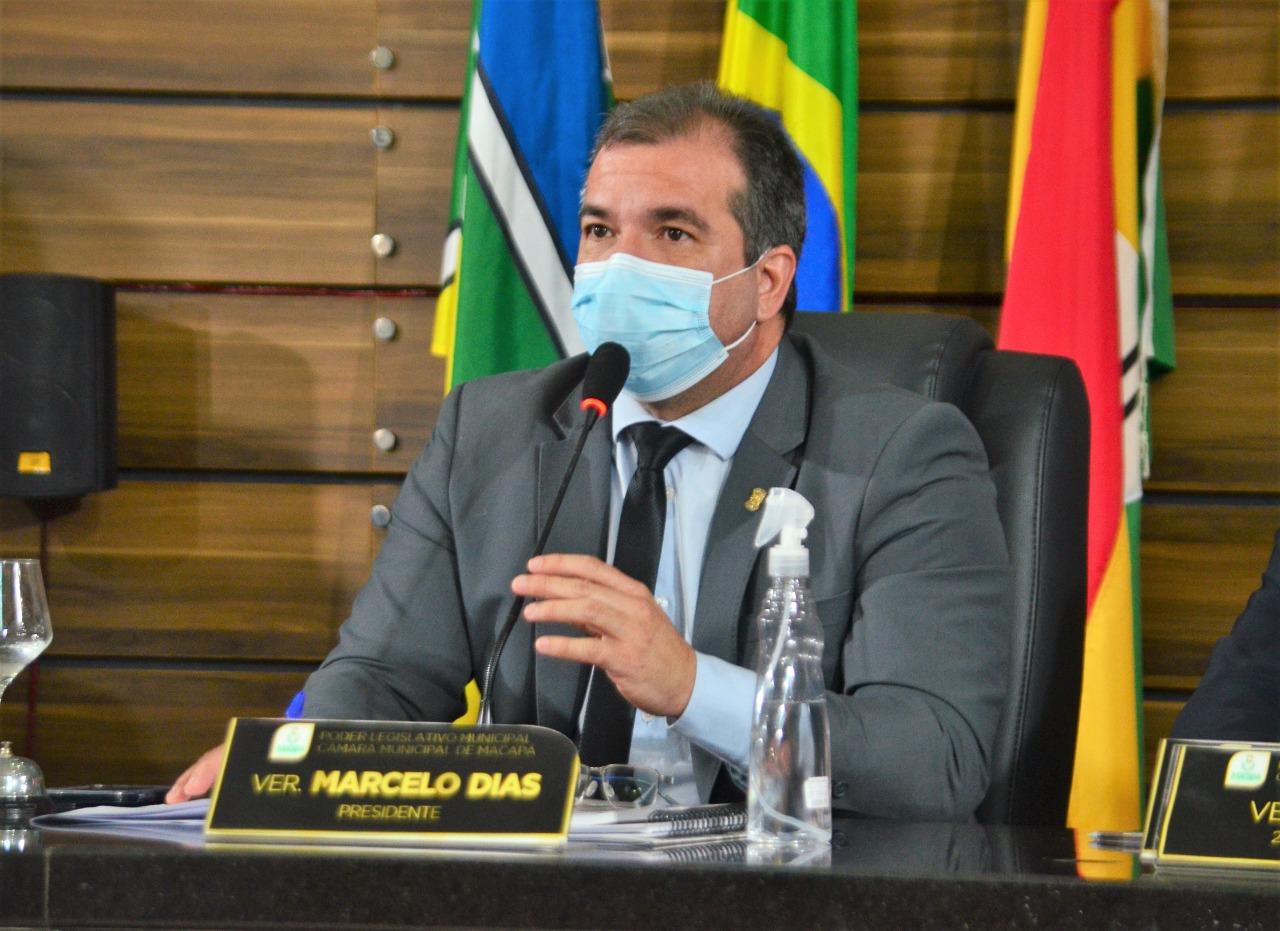 Vereador Marcelo Dias cobra serviço de tapa-buracos para os bairros Universidade, Pacoval e Santa Rita