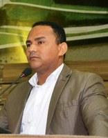 Vereador Pastor Didio Silva preocupado com a falta de policiamento no bairro Muca