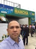 Vereador Professor Rodrigo participa de marcha em defesa de municípios