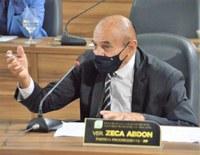 Vereador Zeca cobra retomada da obra na Unidade Básica de Saúde do Infraero II