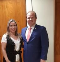 Vereadora Bruna Guimarães articula em Brasília recursos para asfaltar São Joaquim do Pacuí