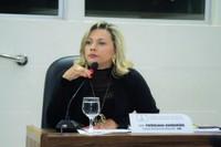 Vereadora Patriciana Guimarães solicita revitalização de faixas de pedestres na extensão da orla da cidade