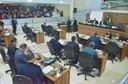 Vereadores apreciam matérias e debatem temas relevantes durante sessão legislativa