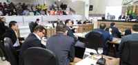Vereadores de Macapá debatem violência no trânsito durante apresentação da campanha Maio Amarelo