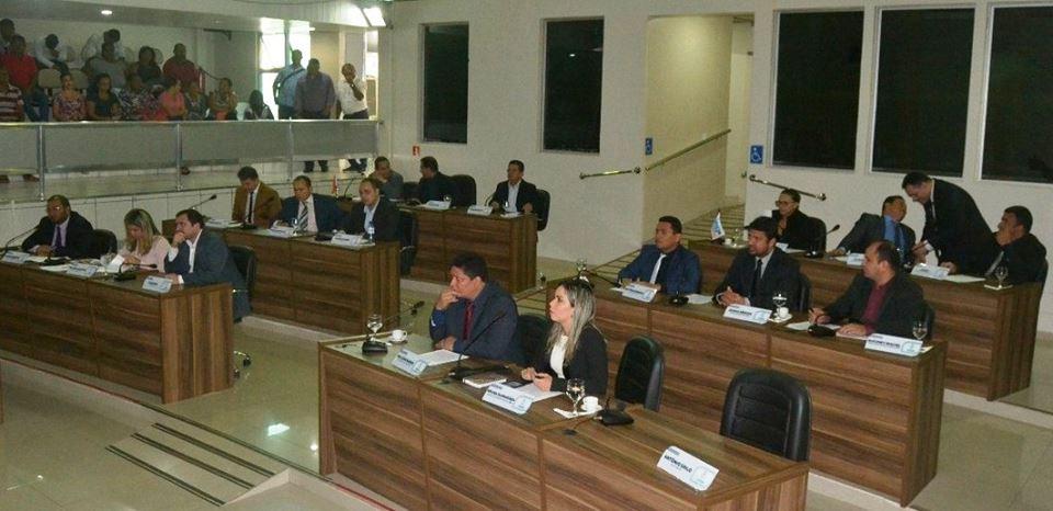 Vereadores debatem e aprovam proposituras na sessão desta quinta-feira