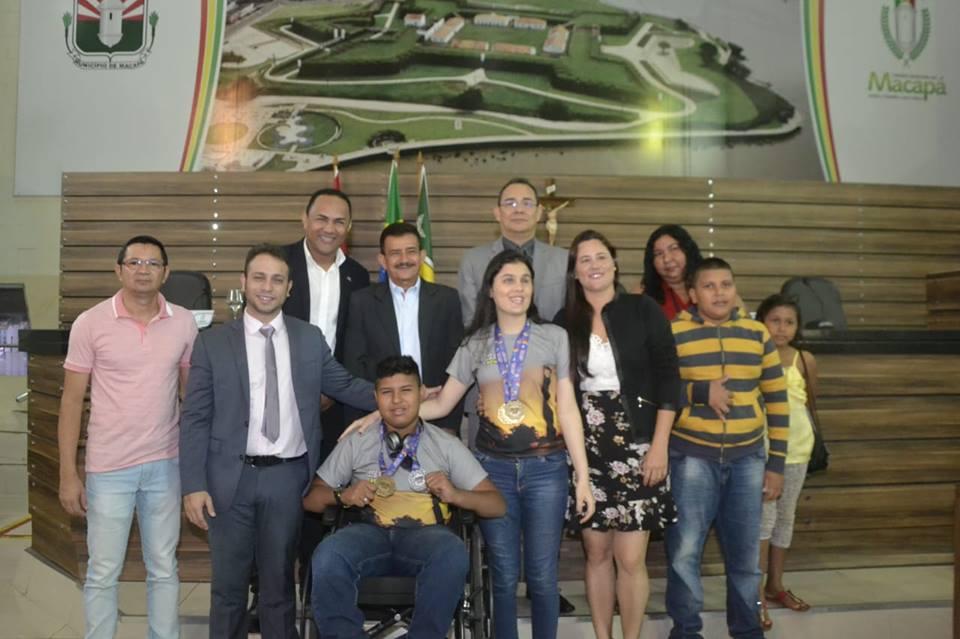 Vereadores recebem estudantes paratletas na CMM