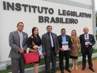 Vereadores visitam a estrutura do Instituto Legislativo Brasileiro – ILB, em Brasília e discutem parcerias.